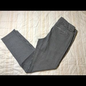 👖Old Navy Mid-Rise Pixie Ankle Pants